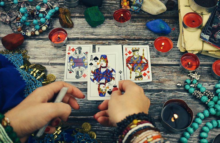Understanding Online Psychic Tarot Card Readings